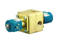 GC Valves 3-Way Zero Diff Piloted Diaphragm